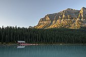 Canada, Alberta, Banff, Lake Louise, forest and mountains