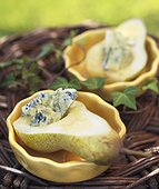 Pear with blue cheese